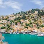 Griechenland-Insel-Symi-Bilderbuch-Häuser-Gialos